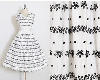 25% OFF SALE Vintage 50s Dress | 1950s vintage dress | white cotton eyelet embroidery | xs | 4844