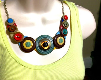 Pumped with Color button necklace