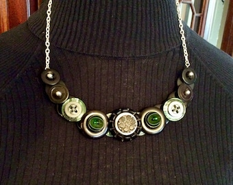 Hunter Green Button necklace