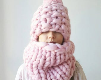 Pink Knit Scarf and Hat. Luxury Chunky Snood Infinity