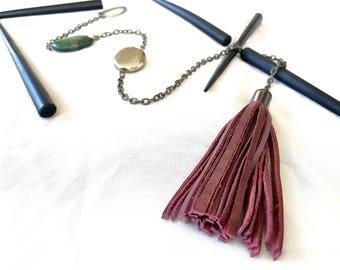 lariat tassel necklace // tassel and chain necklace // upcycled chain necklace with tassel pendant // burgundy red tassel // brass lariat