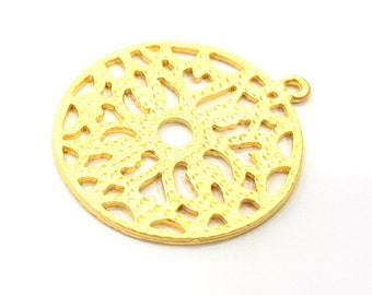 2 Round Patterned Charms Gold Plated Metal (38mm)  G11346