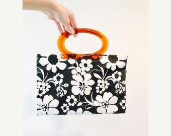 50% OFF SALE Vintage Black and White Retro Folding Purse / 60's Floral Print Vinyl Handbag Tote