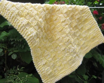 Christmas in July mini blanket, acrylic yarn (yellow and white)