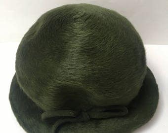 Green Crushed Velour 1950s Hat Vintage Millinery Bow
