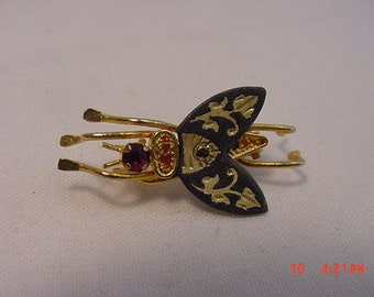 Vintage Black & Gold Fly Insect Brooch  18 - 673