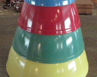 Vintage Pyrex Primary Colors Complete Glass Nesting Mixing Bowl Set Of 4