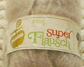 New Listing - Paradies - Super Flausch - 100 g - 180 m - 70 Poly 30 Mohair - Very Light Tan? - 5620
