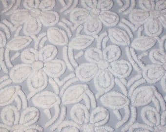 Gorgeous Fluffy Flowers Rare Gray / Grey and White Hofmann Vintage Chenille Bedspread Fabric Piece — 26 x 22 Inches — 16 Flowers