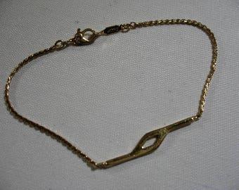 Vintage MONET Gold Tone Chain Bracelet
