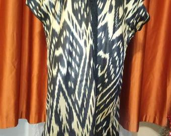 Uzbek handmade satin silk ikat kaftan. Uzbek chapan, tribal ethnic robe. Uzbek silk robe with fringes. Silk cardigan