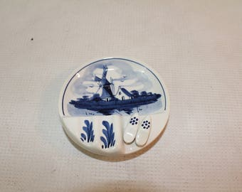 Vintage Delft Holland 626 A blue and white clogs ashtray