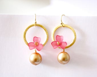 Pink Flower Pearl Earrings, Gold Swarovski Crystal Pearls, Pink Flowers, Gold Hoops, Ready to Ship