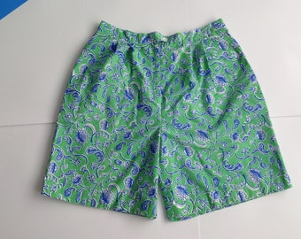Vintage Lilly Pulitzer Shorts / 80s Lilly Pulitzer / Size 16 Shorts / Floral Shorts / 80s Womens Shorts / Bermuda Shorts / Made in USA