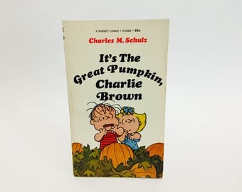 Vintage Children's Book It's The Great Pumpkin, Charlie Brown by Charles M. Schulz 1968 Paperback Edition