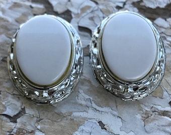 Earrings-Vintage -Retro-1980's-Bridal-Silver-White- Oval