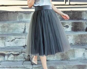 Gray tulle skirt. Tulle skirt women. Tea length tulle skirt. Woman tulle skirt.Tutu skirt for woman. Tulle skirt for woman.Tulle skirt.