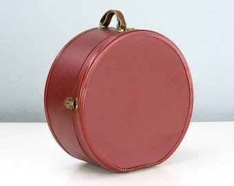 Vintage Red Round Hat Box Suitcase, Hat Box Luggage, Doll Case, Round Suitcase, American Tourister Luggage, Round Luggage