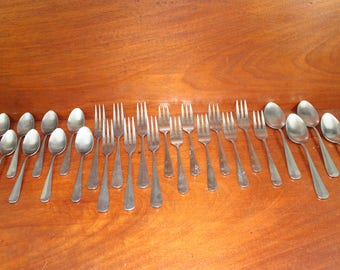 OYSTER BAY Colonial Style Vintage Silverware from LIFETIME Cutlery Retro Stainless Flatware BiN 57