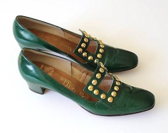 1960's Green Mod Heels with Pilgrim Buckle Size 7