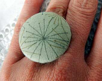 Adjustable green fabric ring