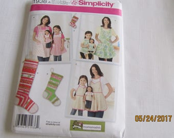 Simplicity Pattern 1936: Aprons and Stocking Ornaments