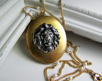Lion Necklace Vintage Locket Assemblage Locket Gold Locket Lion Jewelry Picture Locket Assemblage Necklace Courage Amulet Animal Jewelry