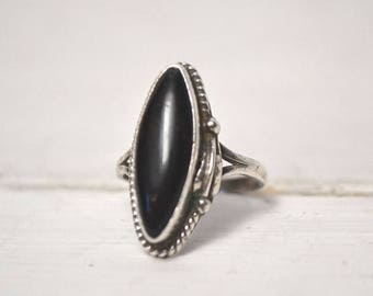 34% Off Sale - Sterling Silver Onyx Ring 1970s Tribal Boho Marquise Oval Vintage Ring Size 7.5