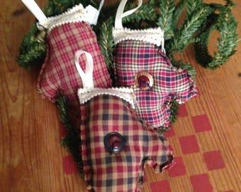 Set of 3 Primitive Homespun Hearts Buttons Jingle Bells Christmas Tree Ornaments Bowl Fillers Handmade
