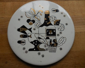 Vintage 1950s to 1960s White/Black/Gold Ceramic Round Trivet/Hotplate Fruit/Fish/Stars Retro Kitchen