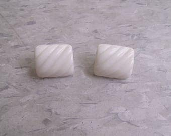 vintage clip earrings white ripple lucite