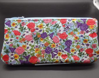 Floral Cosmetics Clutch, Flower Pouch, Makeup Bag, Make-Up Bag, Travel Case, Ditty Bag, Hostess Gifts, Gifts for Her, Gifts Under 20,