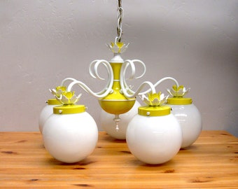 Vintage Mod Yellow and White Metal 5 Globe Hanging Lamp (E9679)
