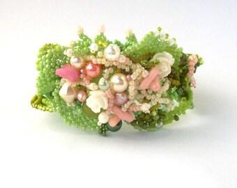 Summer jewelry, Beaded cuff bracelet, Gift for women, Green bracelet, Freeform beadwork, Boho jewelry, Womens bracelet