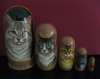5 Beautiful CATS. Russian handpainted Matryoshka Quality Art nesting dolls set. Gift condition. Crafted out of linden wood in Russia. FrmUSA
