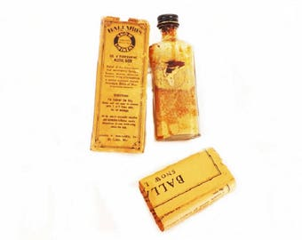 Ballard's Snow Liniment, Antique Medicine Bottle with Box and Medicine, Pharmacist Pharmacy Decor, Medical Collectible, Apothecary, Medicine