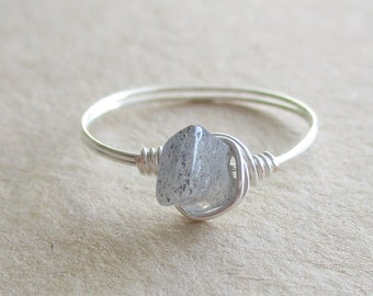 Labradorite gemstone chip bead wire wrapped ring - size 8