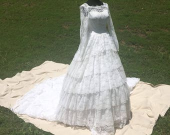 Going to the Chapel // 1950s Full Length Lace Formal Wedding Gown Dress Ensemble