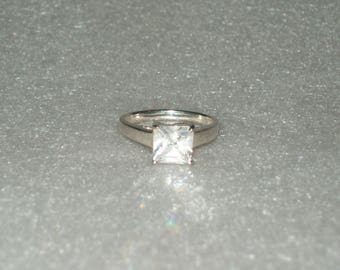 Sterling Silver White Cubic Zirconia Solitaire Ring- size 6 1/2