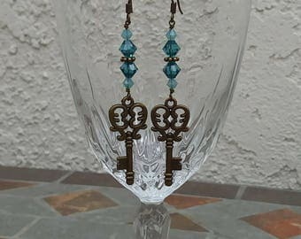Keys and Crystals Earrings - steampunk