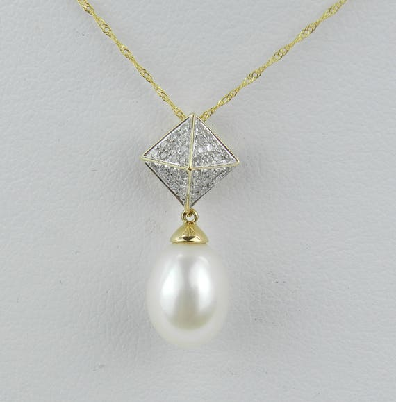 14K Yellow Gold Diamond and Pearl Drop Pyramid Cluster Pendant Necklace with Chain 18""