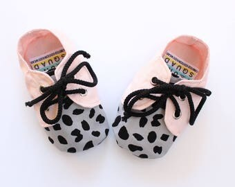 Baby girl shoes / toddler shoes- lace up soft soled shoes in pink leopard pattern.