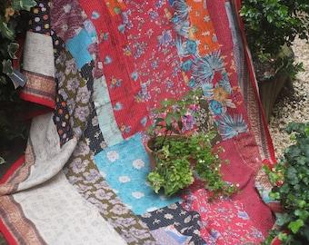 King Patchwork kantha quilt, Kantha throw, Sari blanket, Indian throw, Vintage kantha quilt, Yellow Sari throw, Kantha blanket,Boho throw