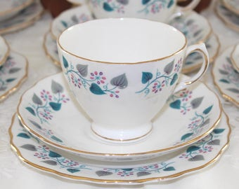 Royal Vale bone china tea set. Vintage bone china tea set. 21 piece tea set. Royal Vale RVA 57. Rigway tea set. 60s tea set