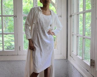 Pure White Sparkle Linen Cocktail Party Dress/Vintage 1960s/Slim White Wedding Dress/Studded With Rhinestones/Size XS S