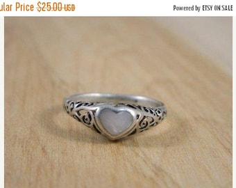 ETSYCIJ Sterling Silver and Mother of Pearl Heart Ring / Vintage Promise Ring / Filigree Shell Heart Ring Size 6.75