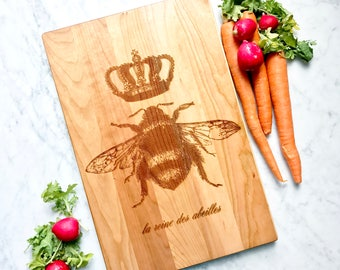 Queen Bee cutting board. French country home decor. Cherry hard wood. Wooden chopping block, engraved. Hostess Gift.