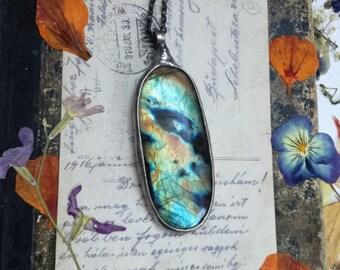 Labradorite necklace, Gold Raindbow Necklace, Gold Labradorite Pendant, Blue labradorite, august birthstone jewelry Rainbow Necklace,unique