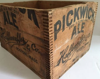 Vintage 1944 Pickwick Ale Haffenreffer and Co Inc. Boston, Mass Wood Crate