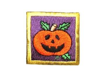 ID 0838C Jack O Lantern Badge Patch Halloween Scene Embroidered Iron On Applique